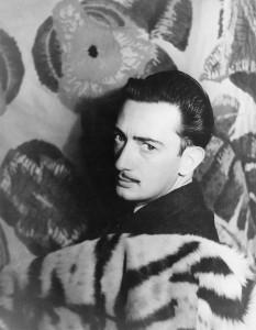 800px-Salvador_Dalí_1939